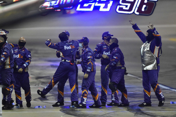 #11: Denny Hamlin, Joe Gibbs Racing, FedEx Office Toyota Camry crew celebrate their win