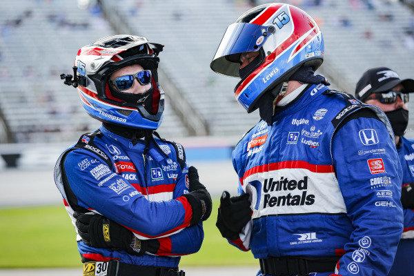 #15: Graham Rahal, Rahal Letterman Lanigan Racing Honda crew members, Lon Lewis