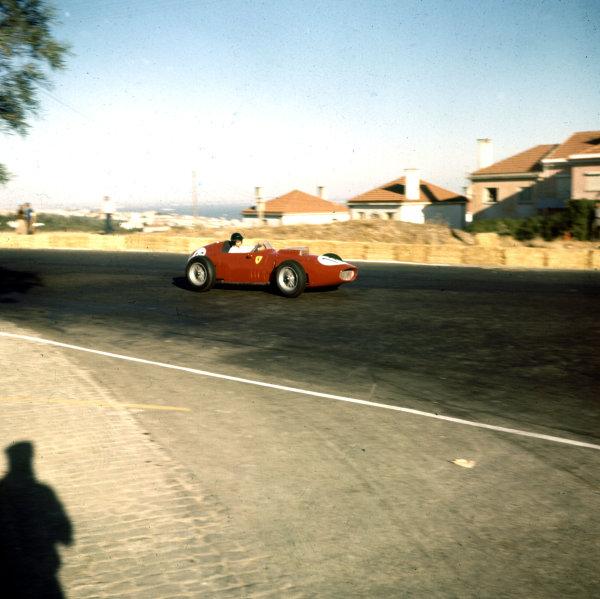 1959 Portuguese Grand Prix.Monsanto, Lisbon, Portugal.21-23 August 1959.Dan Gurney (Ferrari Dino 246) 3rd position.Ref-3/0105.World Copyright - LAT Photographic