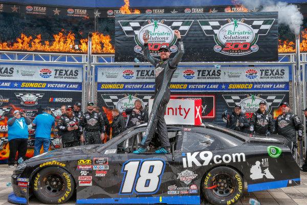 #18: Kyle Busch, Joe Gibbs Racing, Toyota Supra iK9 victory lane