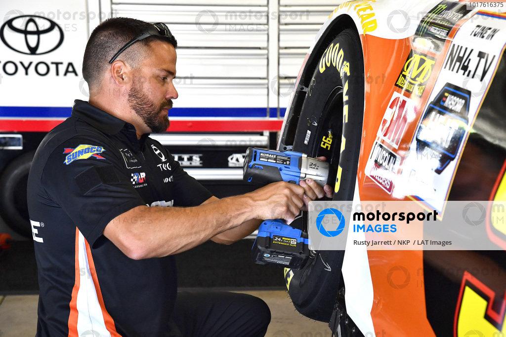 #95: Matt DiBenedetto, Leavine Family Racing, Toyota Camry Procore crew