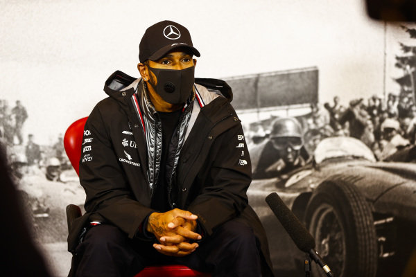 Race Winner Lewis Hamilton, Mercedes-AMG Petronas F1 in the press conference