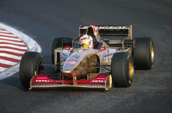 Estoril, Portugal.20-22 September 1996.Martin Brundle (Jordan 196 Peugeot) 9th position. Ref-96 POR 17.World Copyright - LAT Photographic