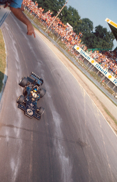 1973 Italian Grand Prix. Monza, Italy. 7-9 September 1973. Ronnie Peterson (Lotus 72E Ford) 1st position at Parabolica. Ref-73 ITA 07. World Copyright - LAT Photographic