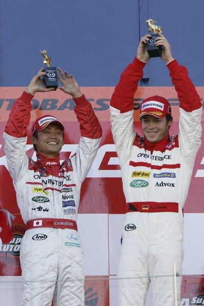 2006 Japanese Super GT ChampionshipSuzuka, Japan. 19th March 2006GT500 Podium - Juichi Wakisaka/Andre Lotterer (Opel Inerface SC430) 1st position.World Copyright: Yasushi Ishihara/LAT Photographicref: Digital Image2006SGT_R1_007 JPG(2 8MB)