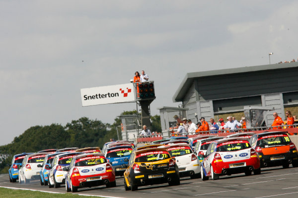 2013 Renault Clio Clup, Snetterton, Norfolk. 2nd - 4th August 2013. Start of Race 2 Josh Files (GBR) Team Pyro Renault Clio Cup leads. World Copyright: Ebrey / LAT Photographic.