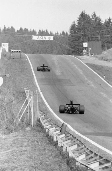 1973 Austrian Grand Prix.Osterreichring, Austria. 19 August 1973.Ronnie Peterson and Emerson Fittipaldi (both Lotus 72D-Ford Cosworth). Ref-5660/#33.World Copyright - LAT Photographic