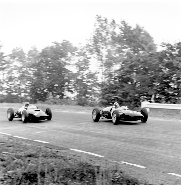 1961 United States Grand Prix.Watkins Glen, USA. 8 October 1961.Innes Ireland (Lotus 21-Climax), 1st position, leads Graham Hill (BRM P48/57-Climax). Ref-10935, 40mb RGB scan.World Copyright: LAT Photographic