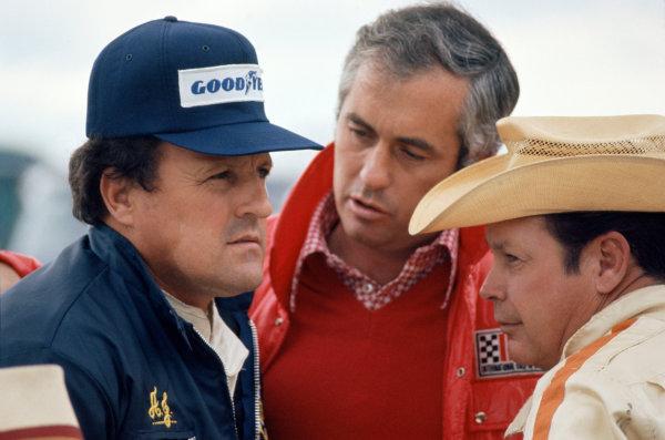 1974 USAC Indycar Series.Michigan, MI, USA. 15th September 1974.AJ Foyt, Roger Penske and Lloyd Ruby.World Copyright: Murenbeeld/LAT Photographic