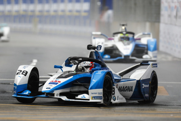 Antonio Felix da Costa (PRT), BMW I Andretti Motorsports, BMW iFE.18 leads Alexander Sims (GBR) BMW I Andretti Motorsports, BMW iFE.18