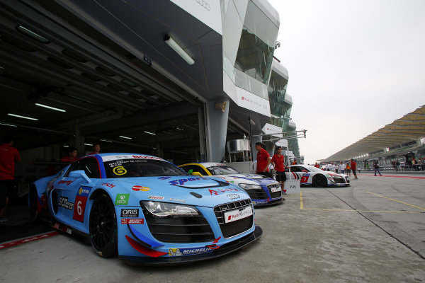 Cars lined up in the pitlane before the start of the race at Audi R8 LMS Cup, Rd4, Sepang, Malaysia, 4-6 September 2015.