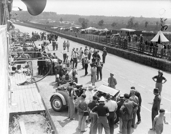 A pit scene featuring Roger Labric / Pierre Veyron, Bugatti T50S and Auguste Bodoignet / Fernand Vallon, Bugatti.