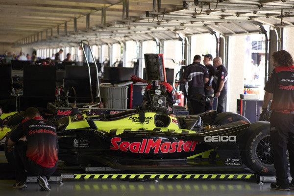 Sebastien Bourdais, Dale Coyne Racing with Vasser-Sullivan Honda, garage, crew