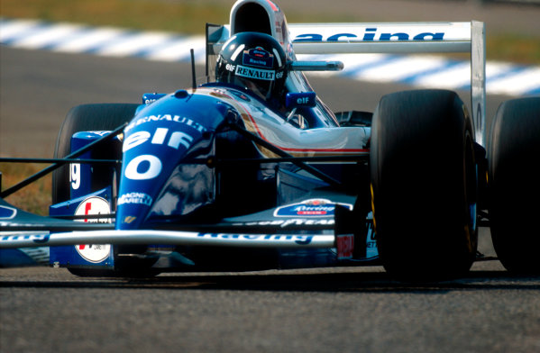 1994 German Grand Prix.Hockenheim, Germany.29-31 July 1994.Damon Hill (Williams FW16B Renault) 8th position.Ref-94 GER 29.World Copyright - LAT Photographic