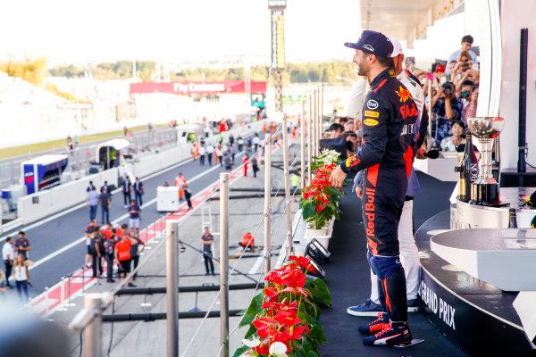 Suzuka Circuit, Japan. Sunday 8 October 2017. Daniel Ricciardo, Red Bull Racing, 3rd Position, on the podium. World Copyright: Joe Portlock/LAT Images  ref: Digital Image _L5R0328