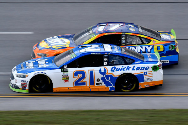Monster Energy NASCAR Cup Series Alabama 500 Talladega Superspeedway Talladega, AL USA Sunday 15 October 2017 Ryan Blaney, Wood Brothers Racing, Quick Lane Tire & Auto Center Ford Fusion and Ricky Stenhouse Jr, Roush Fenway Racing, SunnyD Ford Fusion World Copyright: Rusty Jarrett LAT Images