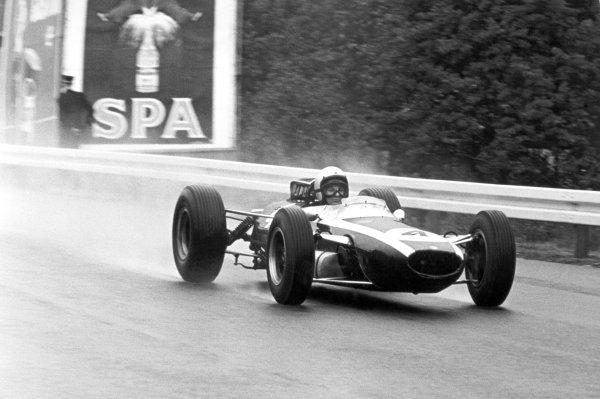 1965 Belgian Grand Prix.Spa-Francorchamps, Belgium. 11-13 June 1965.Bruce McLaren (Cooper T77 Climax) 3rd position, action.World Copyright - LAT Photographicref: B/W Print