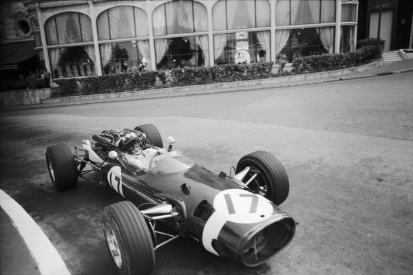 Jo Siffert, Cooper T81 Maserati, passing Casino Square.