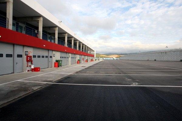 The paddock. Formula One Testing, Day Three, Algarve Motor Park, Portimao, Portugal, 17 December 2008.
