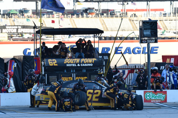 6-7 November, 2015, Fort Worth, Texas USA Brendan Gaughan (62) makes a pit stop ?2015, John Harrelson / LAT Photo USA