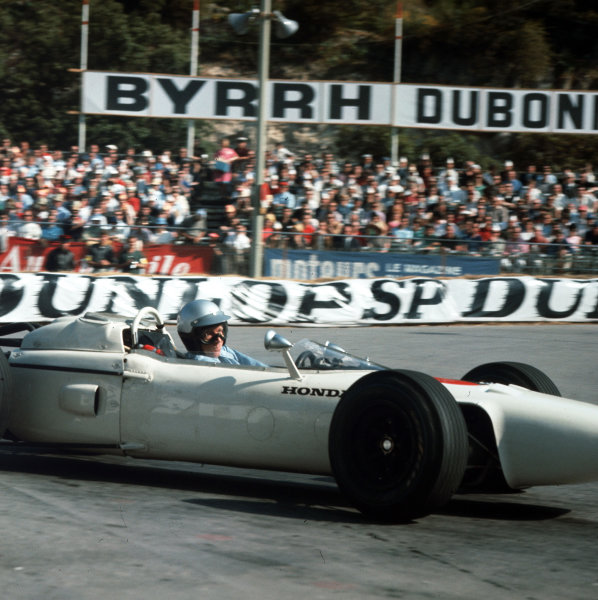 Monte Carlo, Monaco.28-30 May 1965.Richie Ginther (Honda RA272), retired, action.Ref-3/1649.World Copyright - LAT Photographic