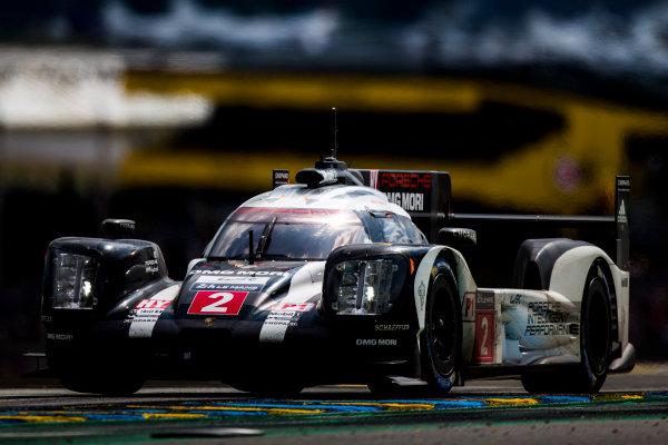 2016 Le Mans 24 Hours. Circuit de la Sarthe, Le Mans, France. Saturday 18 June 2016. Porsche Team / Porsche 919 Hybrid - Romain Dumas (FRA), Neel Jani (CHE), Marc Lieb (DEU).  World Copyright: Zak Mauger/LAT Photographic ref: Digital Image _L0U6457