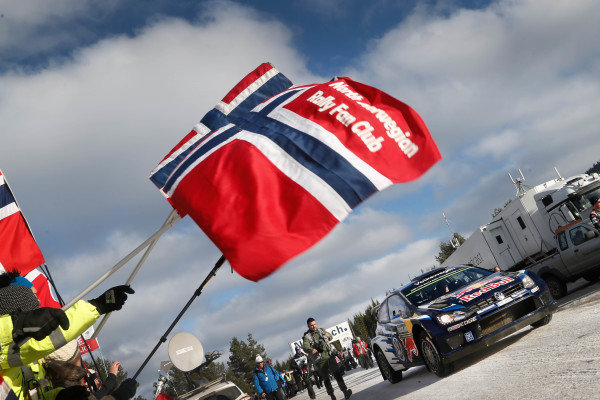 Sebastien Ogier (FRA) / Julien Ingrassia (FRA), Volkswagen Polo R WRC, Fans and Norwegian flag at World Rally Championship, Rd2, Rally Sweden, Day Three, Karlstad, Sweden, 15 February 2015.