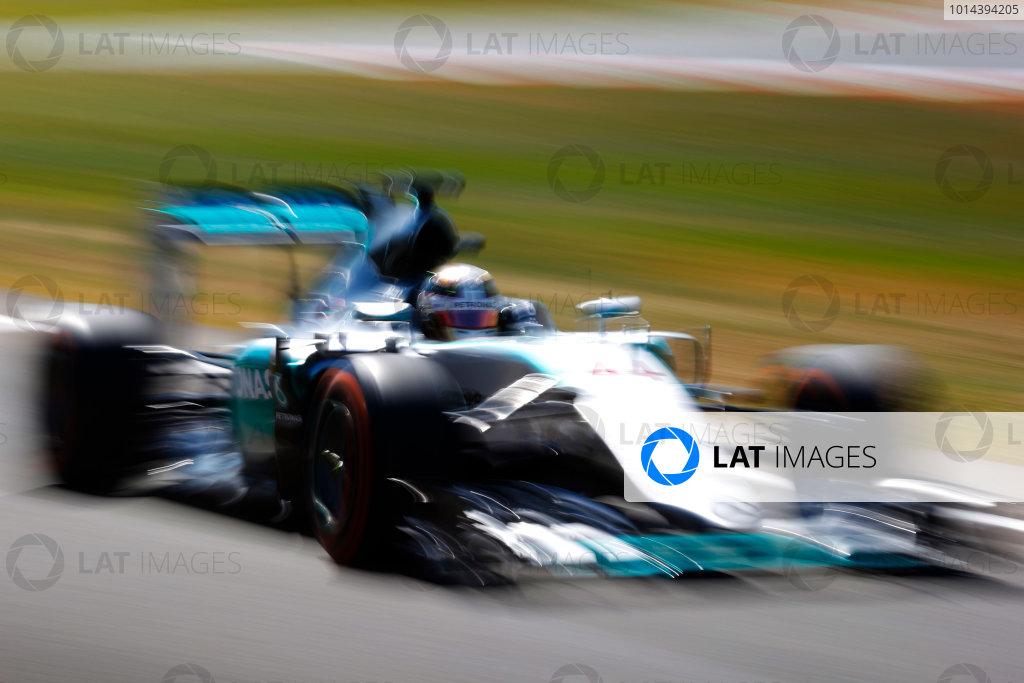 Silverstone, Northamptonshire, England. Friday 03 July 2015. Lewis Hamilton, Mercedes F1 W06 Hybrid. World Copyright: Steven Tee/LAT Photographic. ref: Digital Image _L4R2570