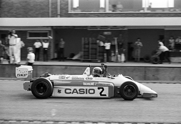Race winner Roberto Moreno (BRA) Ralt Racing Ralt RH6 Mugen Honda celebrates his victory as he crosses the finish line.