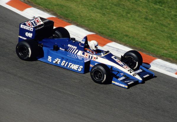 1986 Belgian Grand Prix.Spa-Francorchamps, Belgium.23-25 May 1986.Rene Arnoux (Ligier JS27 Renault).Ref-86 BEL 05.World Copyright - LAT Photographic