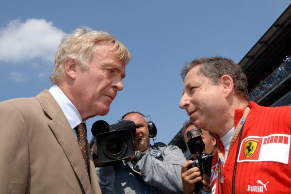2005 Italian Grand Prix - Sunday Race,Monza, Italy. 4th September 2005 Jean Todt, Ferrari talks to Max Mosley, FIA President on the grid before the start of the race. World Copyright: Steve Etherington/LAT Photographic ref: 48mb Hi Res Digital Image