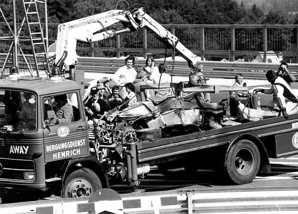 1976 German Grand Prix. Nurburgring, Germany. 1st August 1976. Niki Lauda (Ferrari 312T2), accident. World Copyright: LAT Photographic.