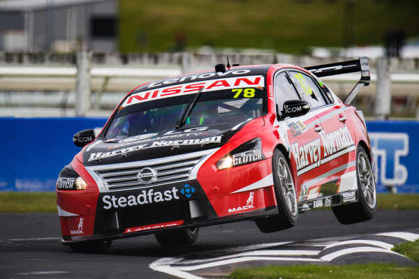 2017 Supercars Championship Round 14.  Auckland SuperSprint, Pukekohe Park Raceway, New Zealand. Friday 3rd November to Sunday 5th November 2017. Simona de Silvestro, Nissan Motorsport.  World Copyright: Daniel Kalisz/LAT Images  Ref: Digital Image 031117_VASCR13_DKIMG_0902.jpg