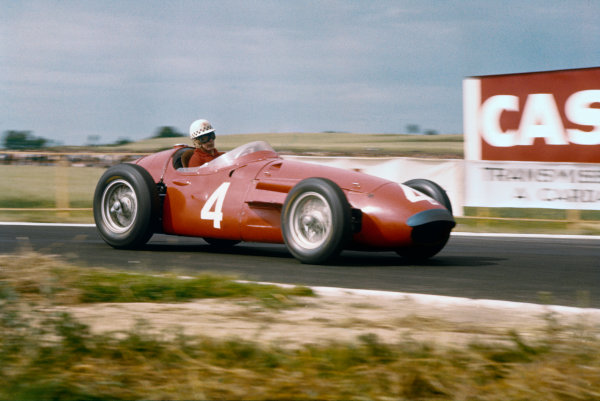 Reims, France. 29/6-1/7 1956. Jean Behra (Maserati 250F) 3rd position. Ref-56 FRA 03. World Copyright - LAT Photographic