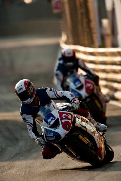 19th - 22nd November 2009. Circuit de Guia, Macau. Simon Andrews, (Team Of Paris - AXA Racing). Action. World Copyright: Drew Gibson/LAT Photographic.ref: Digital Image VY9E0601