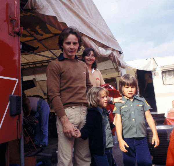 Gilles Villeneuve with his wife Joanna and children Jacques and Melanie.