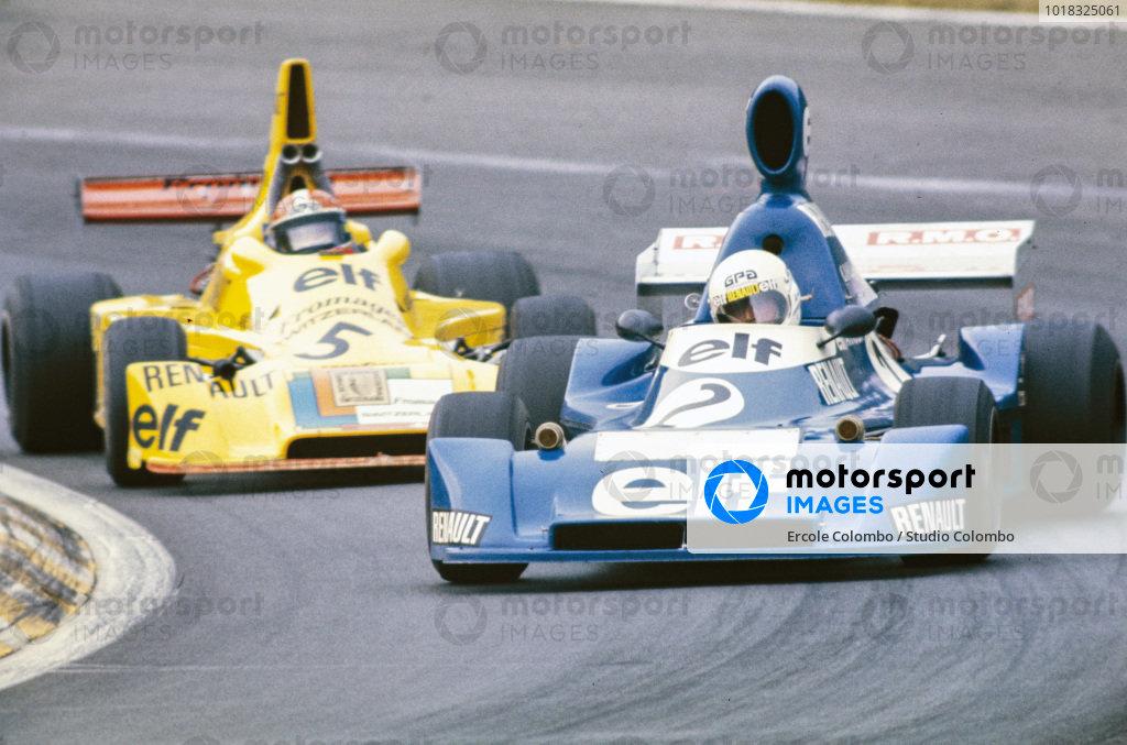 René Arnoux, Martini Mk19 Renault/Gordini, leads Jean-Pierre Jabouille, Elf 2J Renault/Gordini.
