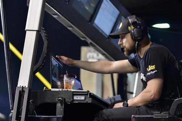 #78: Martin Truex Jr., Furniture Row Racing, Toyota Camry Bass Pro Shops/5-hour ENERGY, Cole Pearn