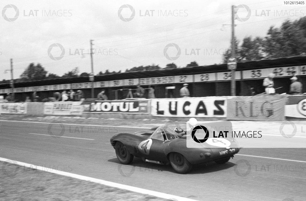 Le Mans, France.28-29 July 1956.Ninian Sanderson/Ron Flockhart (Jaguar D-type), 1st position. World Copyright - LAT Photographic