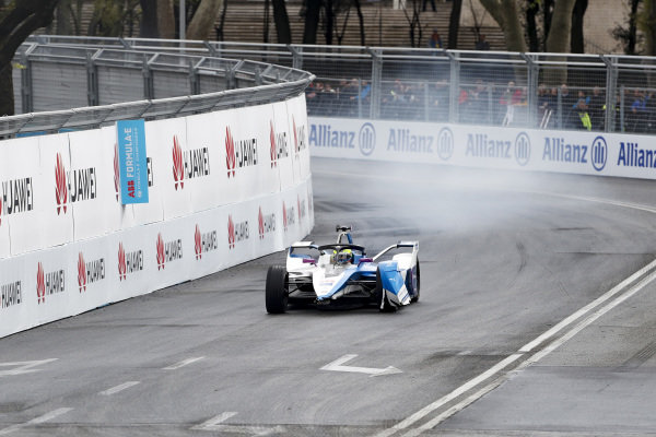 Alexander Sims (GBR) BMW I Andretti Motorsports, BMW iFE.18 with no front wing after a collision