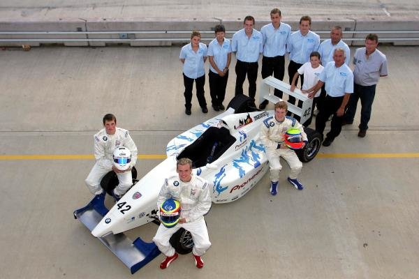 2004 Team SWR Pioneer team shot.