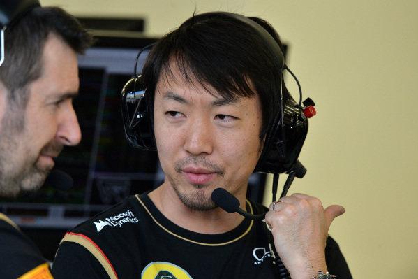 Ayao Komatsu (JPN) Lotus Race Engineer.Formula One Testing, Day One, Bahrain International Circuit, Sakhir, Bahrain, Wednesday 19 February 2014.