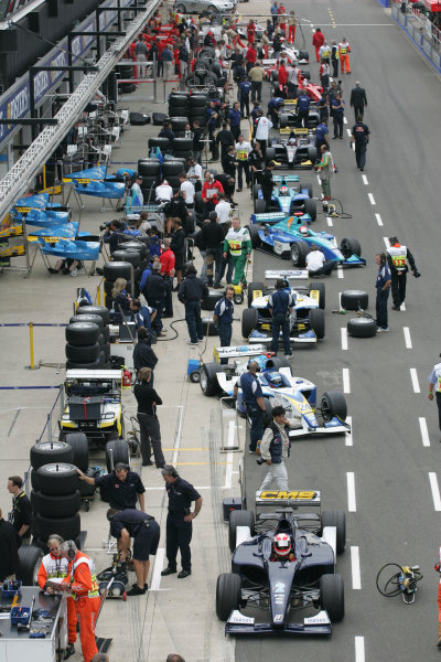 2005 GP2 Series - Great BritainSilverstone , England8th - 10th July 2005Friday QualifyingGP2 Cars wait in the pits for the start of QualiflyingWorld Copyright: GP2 Series Media Service ref: Digital Image Only