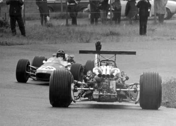 1968 Dutch Grand Prix.Zandvoort, Holland. 23 June 1968.Dan Gurney, Brabham BT24-Repco, retired, encounters a spun car, action.World Copyright: LAT PhotographicRef: Autosport b&w print