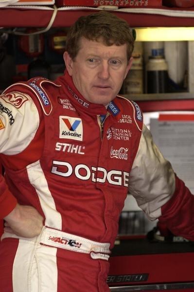 Bill Elliot (USA) Dodge Dealers/UAW Dodge retired from the race.NASCAR Winston Cup Series, Pop Secret Microwave Popcorn 400, Rockingham, North Carolina, USA, 3 November 2002.DIGITAL IMAGE