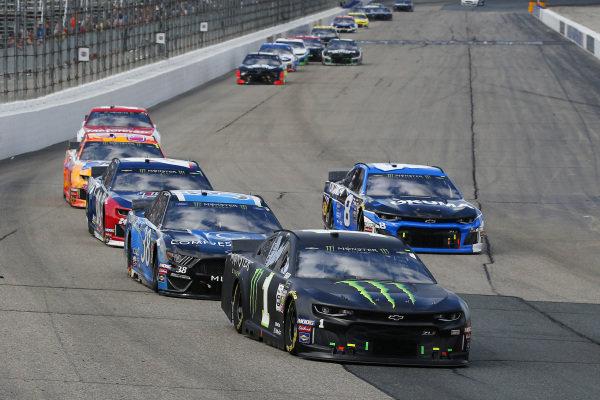 #1: Kurt Busch, Chip Ganassi Racing, Chevrolet Camaro Monster Energy and #38: David Ragan, Front Row Motorsports, Ford Mustang Compressor World