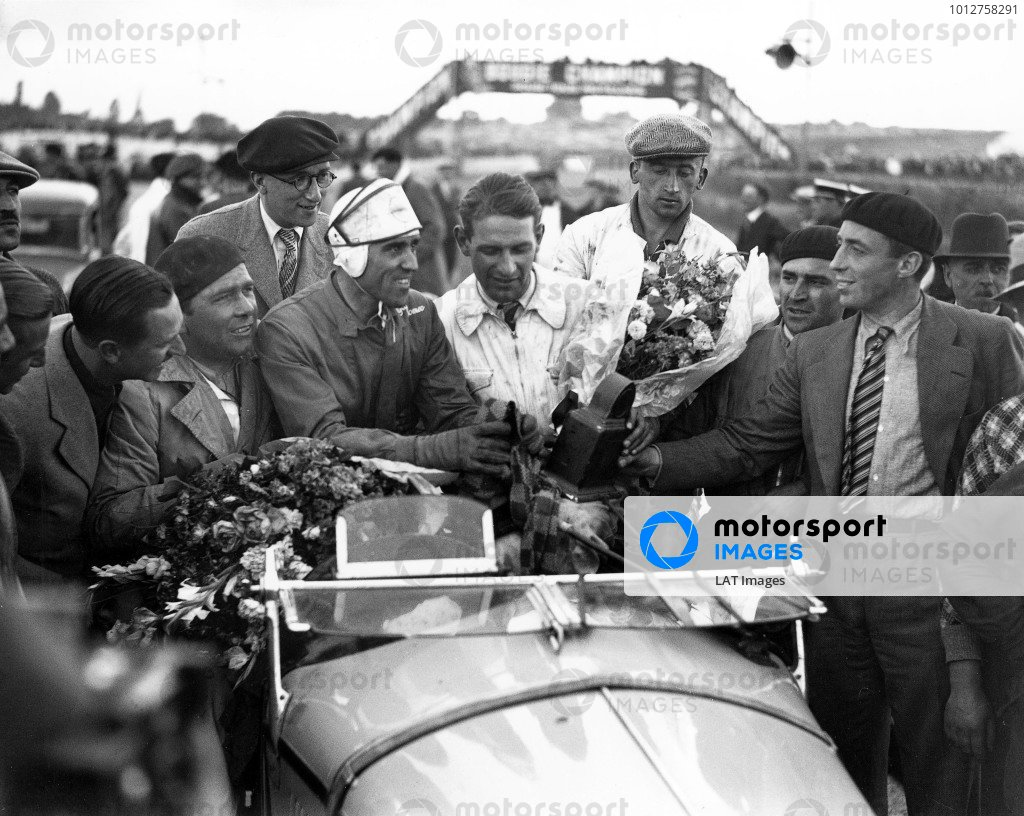 1933 Le Mans 24 hours.