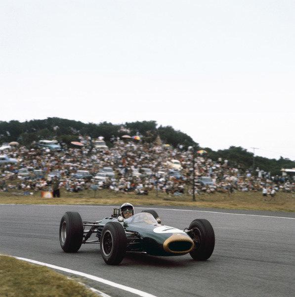 East London, South Africa. 30/12/64-1/1/1965.Jack Brabham (Brabham BT11 Climax).Ref: 1484. World Copyright - LAT Photographic.