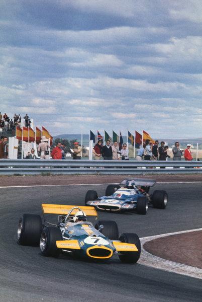 1970 Spanish Grand Prix.  Jarama, Spain. 17-19th April 1970.  Jack Brabham, Brabham BT33 Ford, leads Jean-Pierre Beltoise, Matra MS120.  Ref: 70ESP08. World Copyright: LAT Photographic