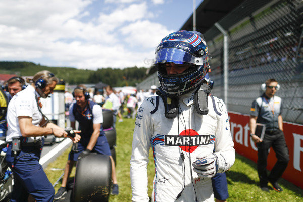 Lance Stroll, Williams FW41 Mercedes, arrives on the grid.